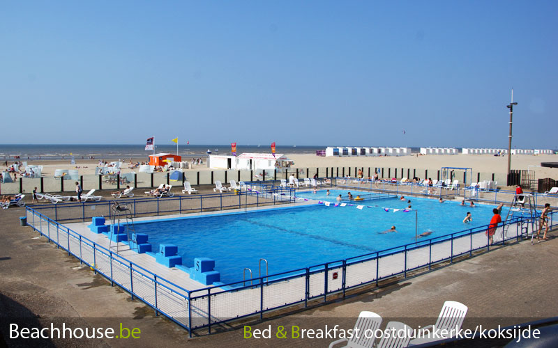 Piscine communale sur la plage oostduinkerke photos et for Piscine koksijde